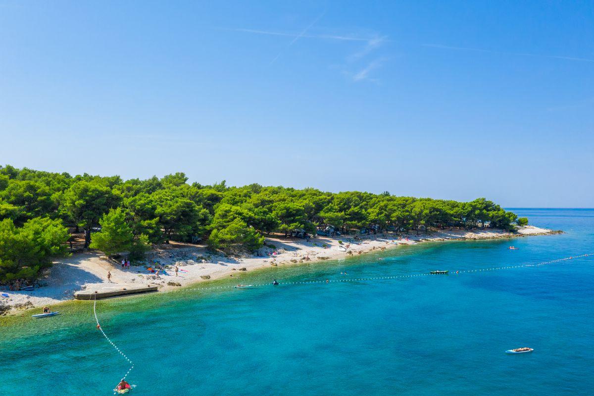 0746 - Adriatik Kamp