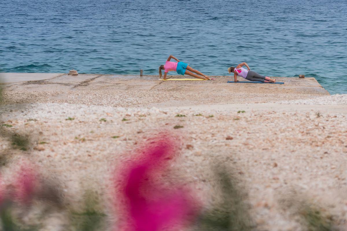 7695 - Adriatik Kamp