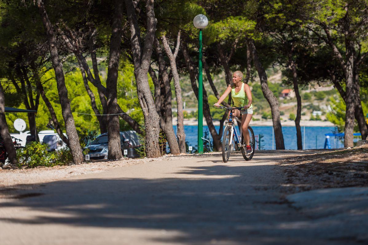 9551 - Adriatik Kamp